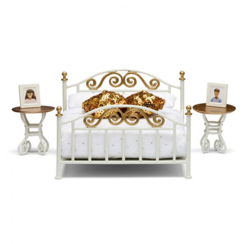 Lundby Brass Bed With Gold Cushions Play Set 1:18 Dolls House Bedroom Furniture