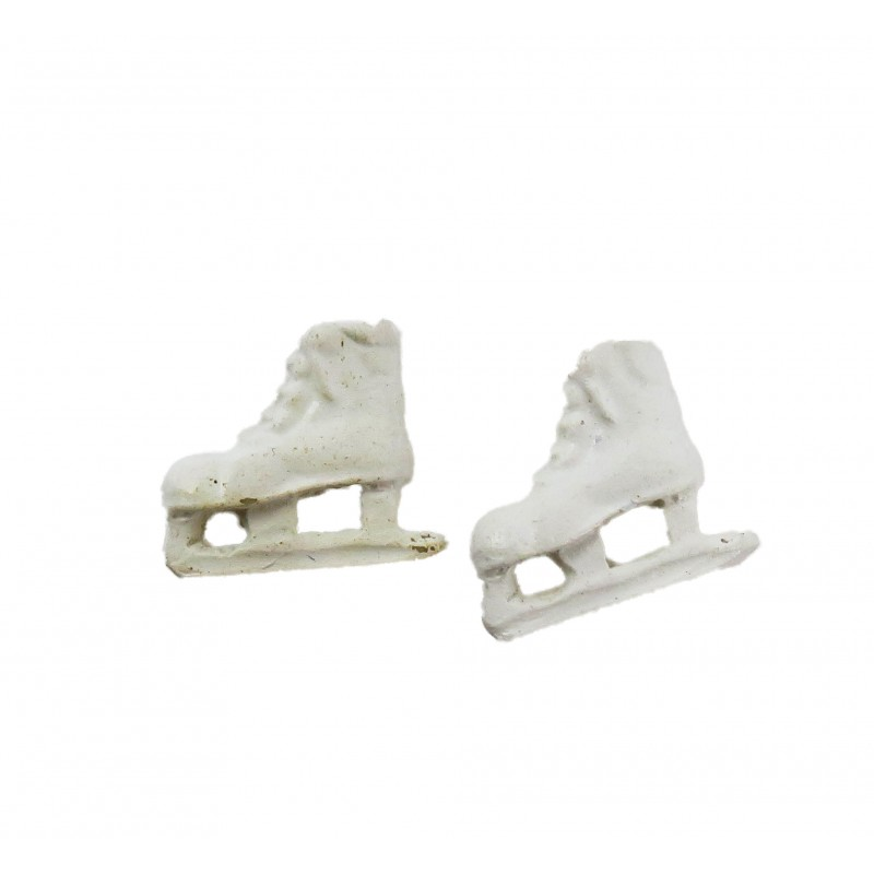 Dolls House White Ice Skates Miniature Shoe Shop Hall Bedroom Accessory 1:12