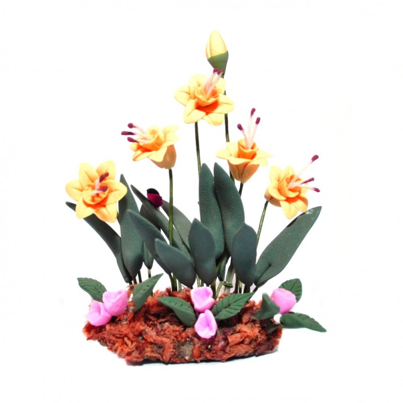 Dolls House Daffodils Flowers in Ground Grass Miniature Garden Plant Accessory