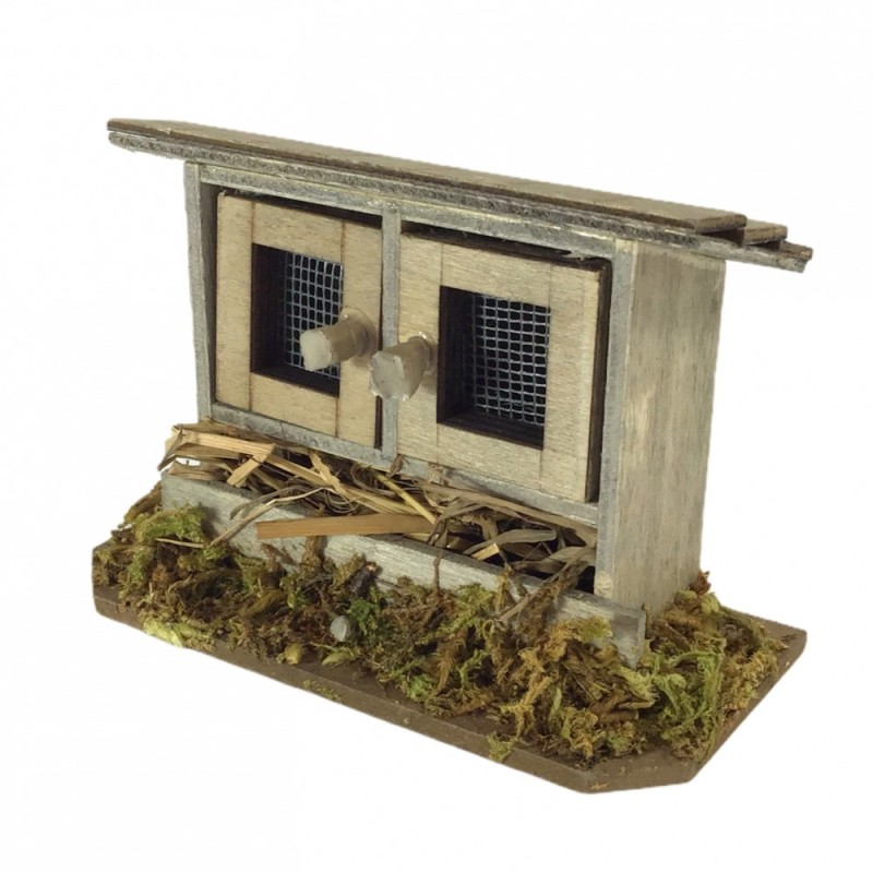 Dolls House Wooden Rabbit Hutch with Hay Miniature Garden Pet Accessory 1:12